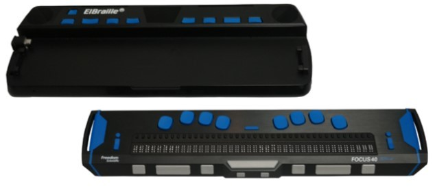 ElBraille 40-Separate from docking station