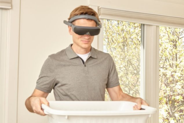 eSight 4 - Person carrying laundry basket