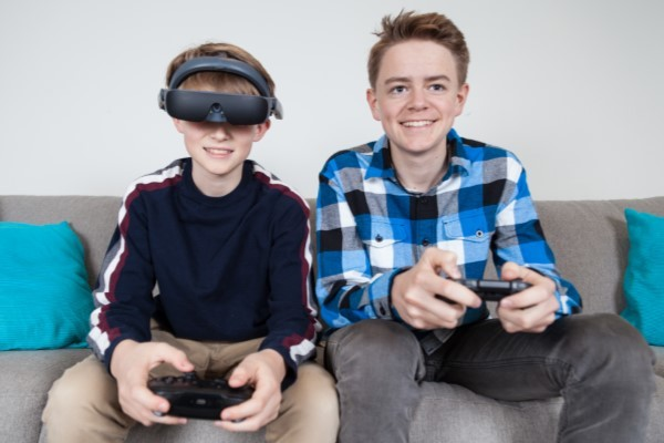 eSight 4 - Two young people playing video game